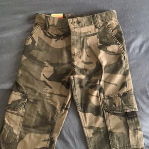 Wrangler Youth 8 Boy's Cargo Camo Pants